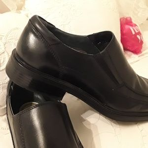 DOCKERS Shoes - NEW DOCKERS PRO-STYLE LEATHER LOAFERS SIZE 10.5 M